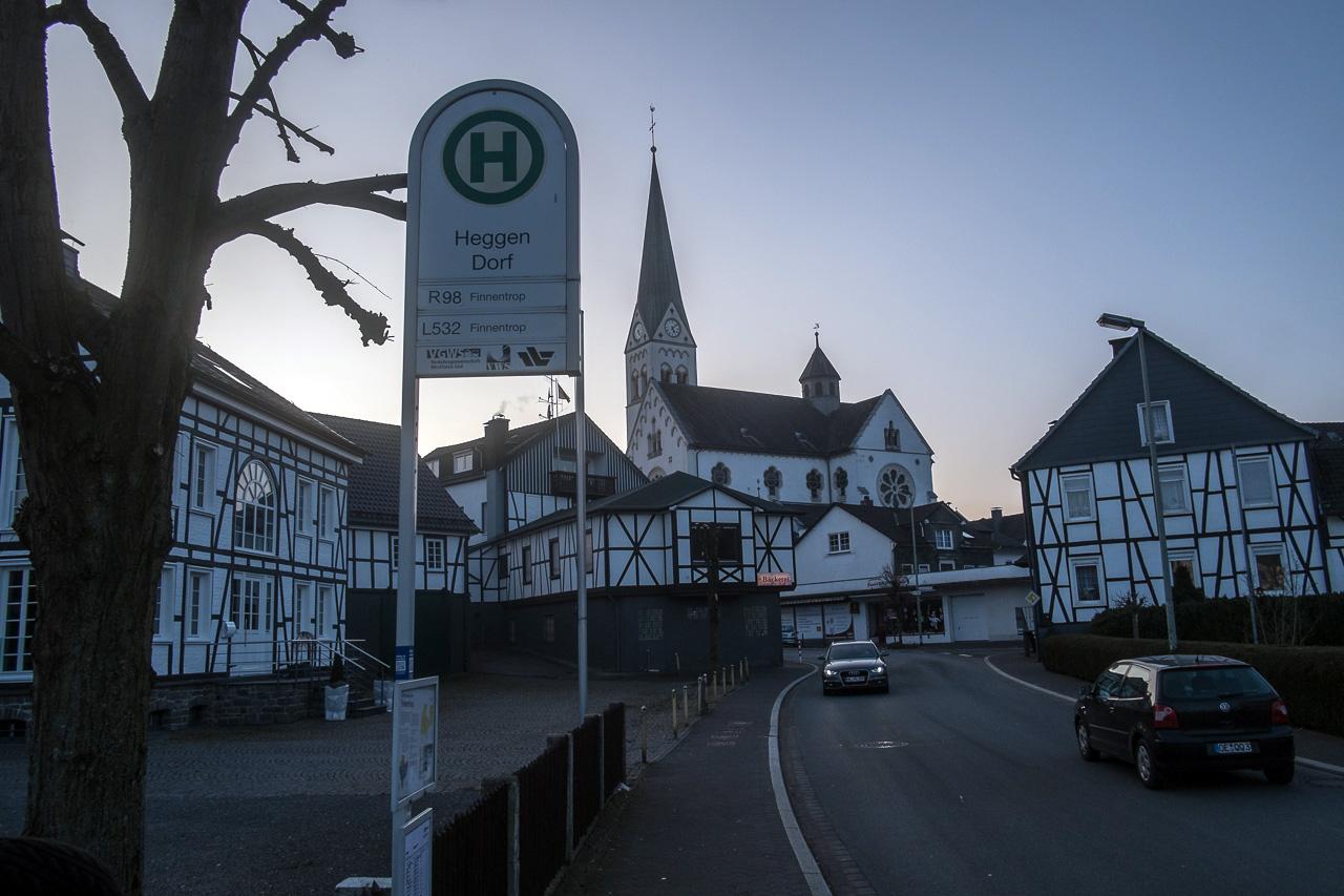 "Heggen im Sauerland, die Bushaltestelle ""Heggen Dorf"""